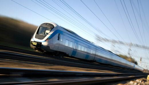 Tåg i hög hastighet