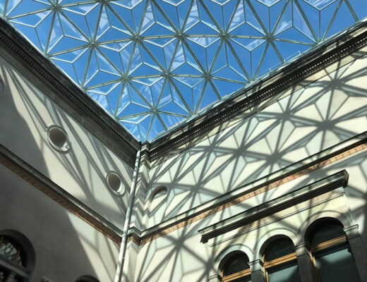 Nationalmuseums glastak inifrån.