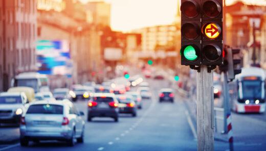 biltrafik och rödljus