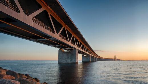 bro över vatten