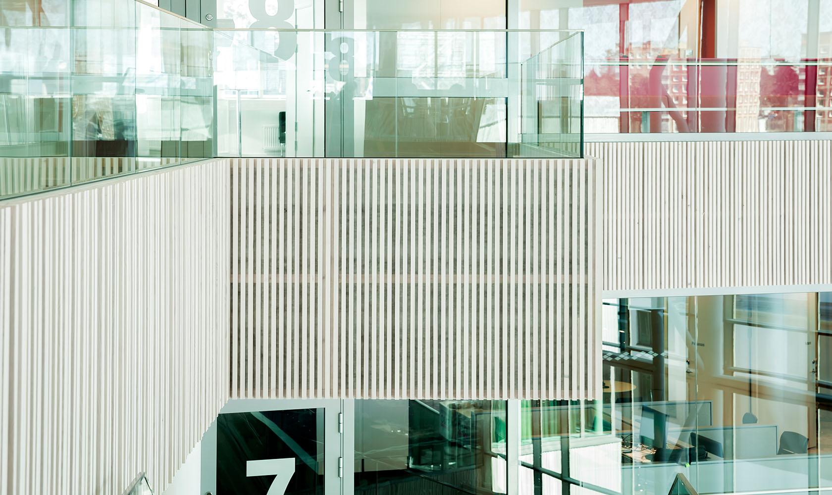 Fasad mellan våningsplan