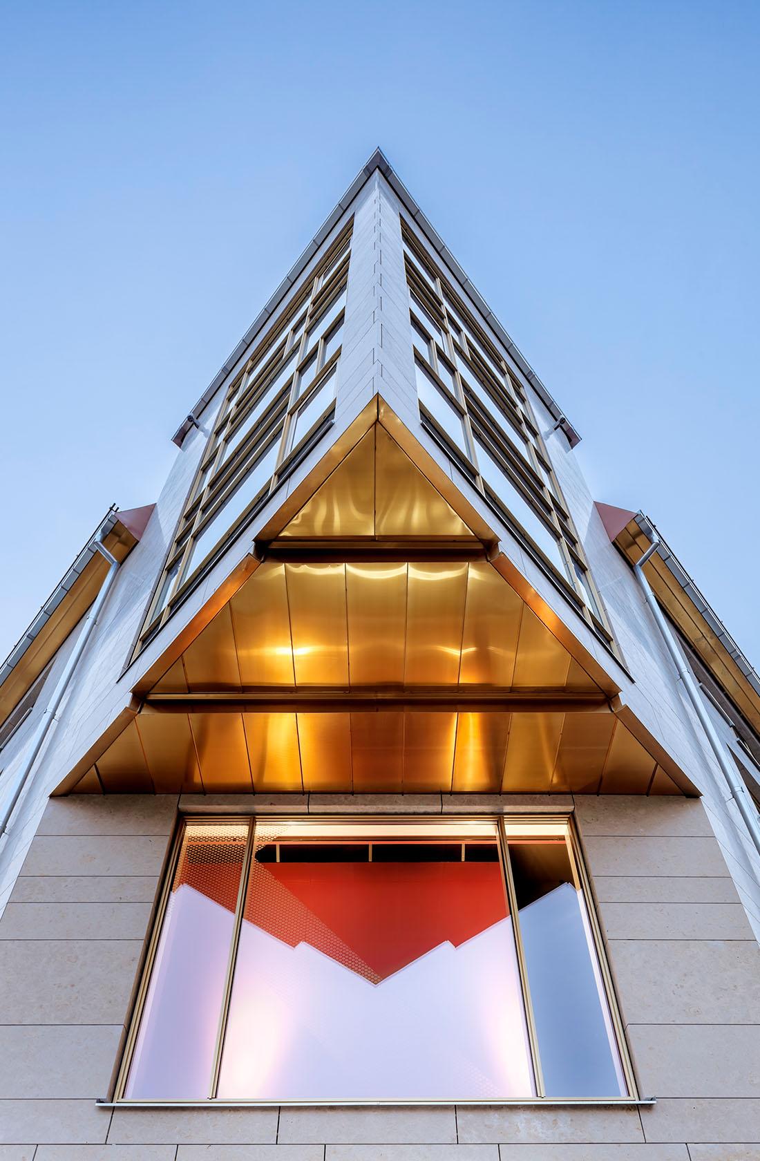 trekantig utbyggnad