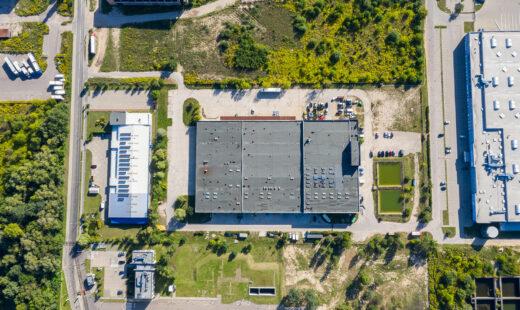 Flygbild över fabrik